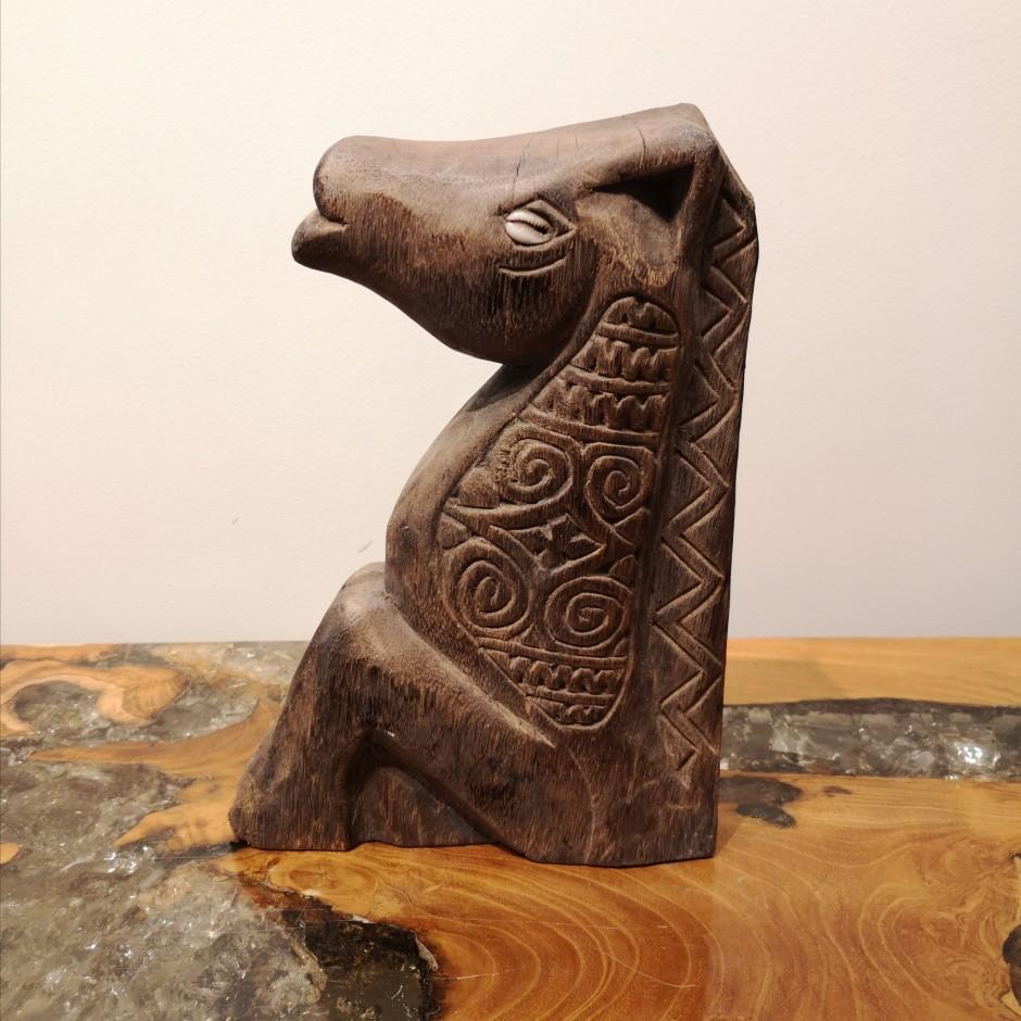 Cheval Kuda batak en bois sculpté