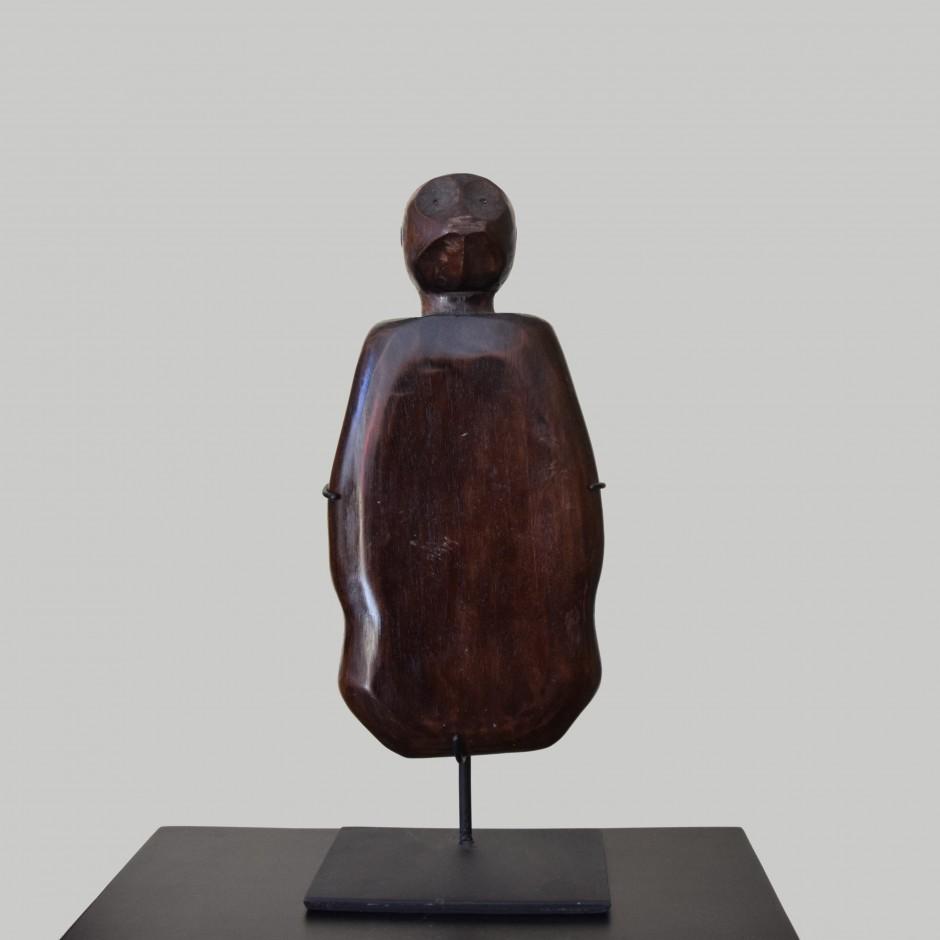 Statuette en bois sculpté de Sumba