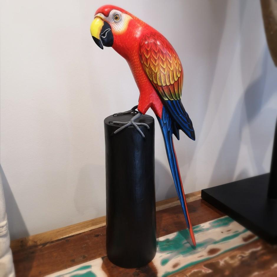 Perroquet rouge en bois sculpté de Java