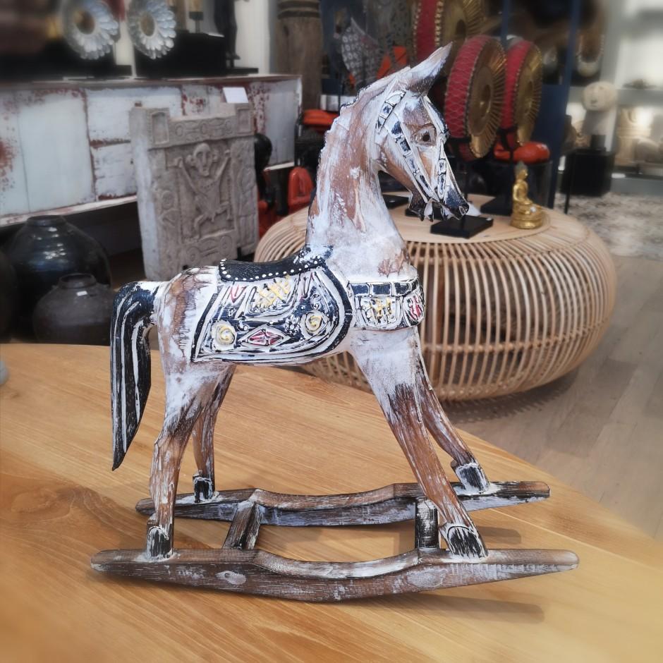 Cheval en bois sculpté de Java