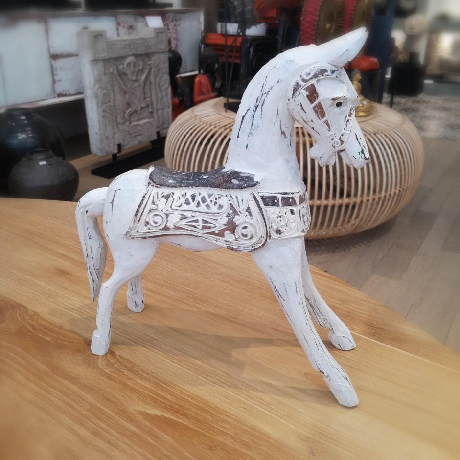 Cheval sculpté en bois de Java